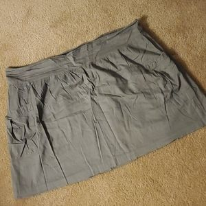 Old Navy flare skirt Gray XL pockets on the side